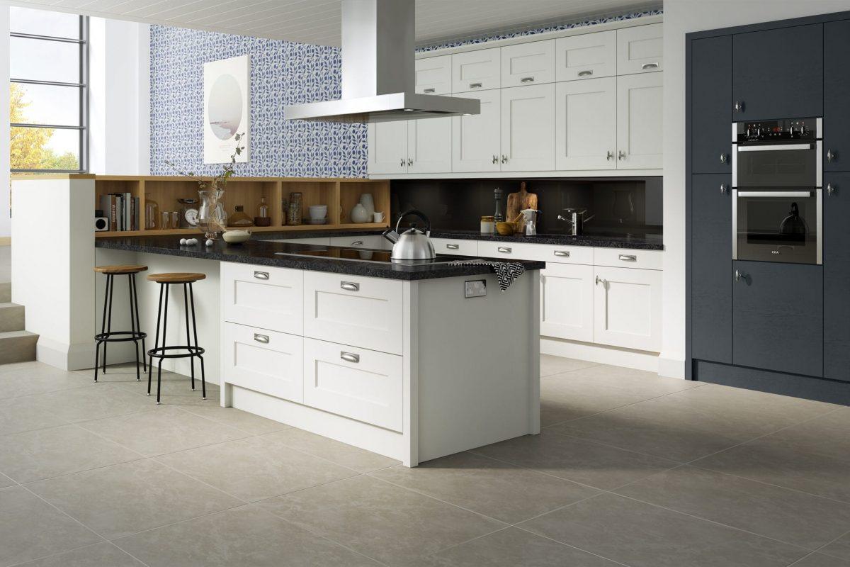 Shaker kitchen in white